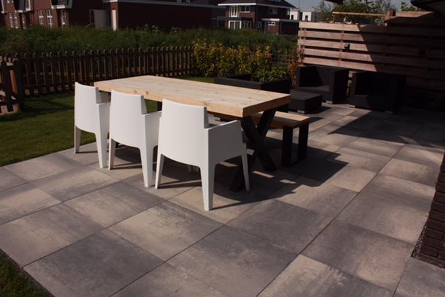 Mooie tegels voor in uw tuin onze projecten van wijk for Voorbeeld tuinen kijken