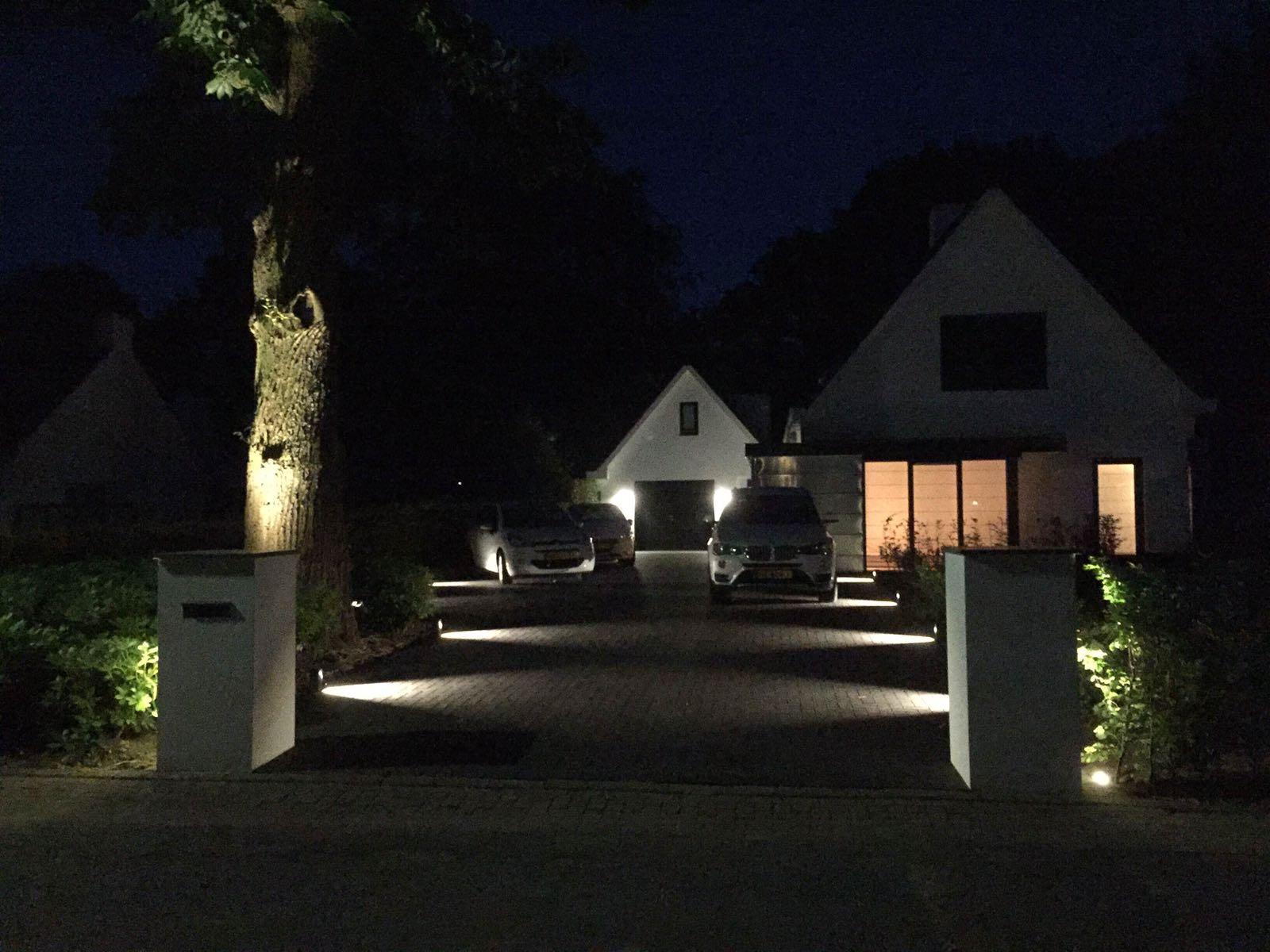 Oprit verlicht met Ace - Van Wijk Sierbestrating