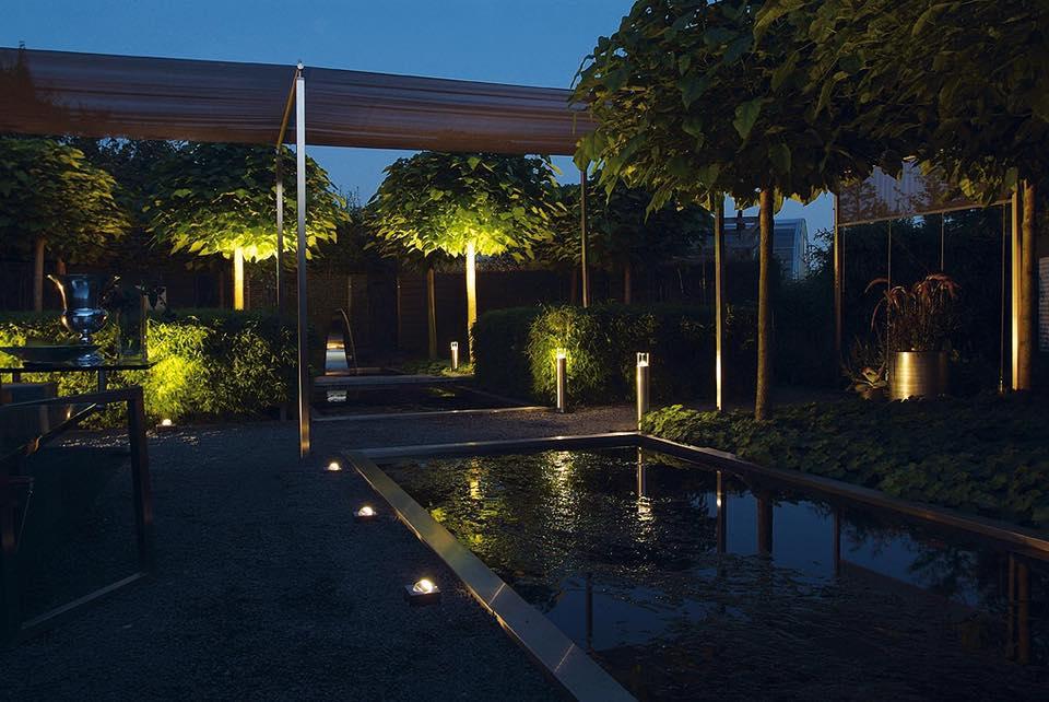 Tuinverlichting In Tegel : Van wijk sierbestrating showroom tegels tuin terras verlichting